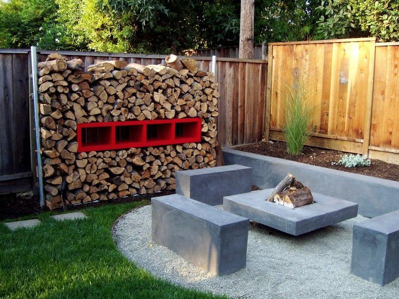 Backyard krystal moore realtor for Simple small backyard designs