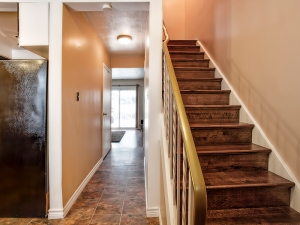 185-thaler-avenue-super-cute-kitchener-condo-entrance-stairs